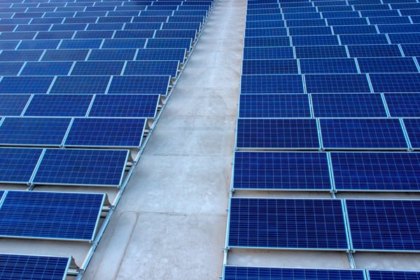 Billa postaví fotovoltaickou elektrárnu na střeše skladu. Mezi řetězci ojedinělý projekt