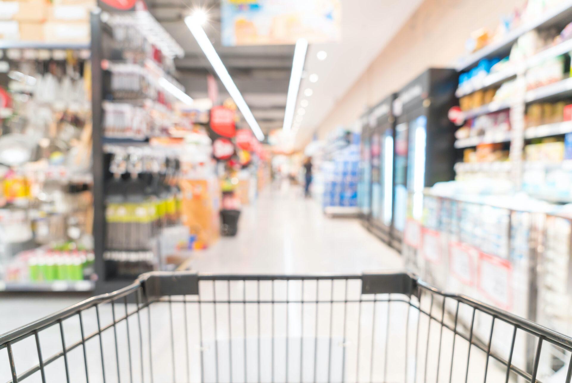 Supermarket sbírá sám od zákazníků plasty a vyrábí z nich nové obaly