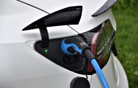 Dotace napříč Evropou nakoply prodeje elektromobilů