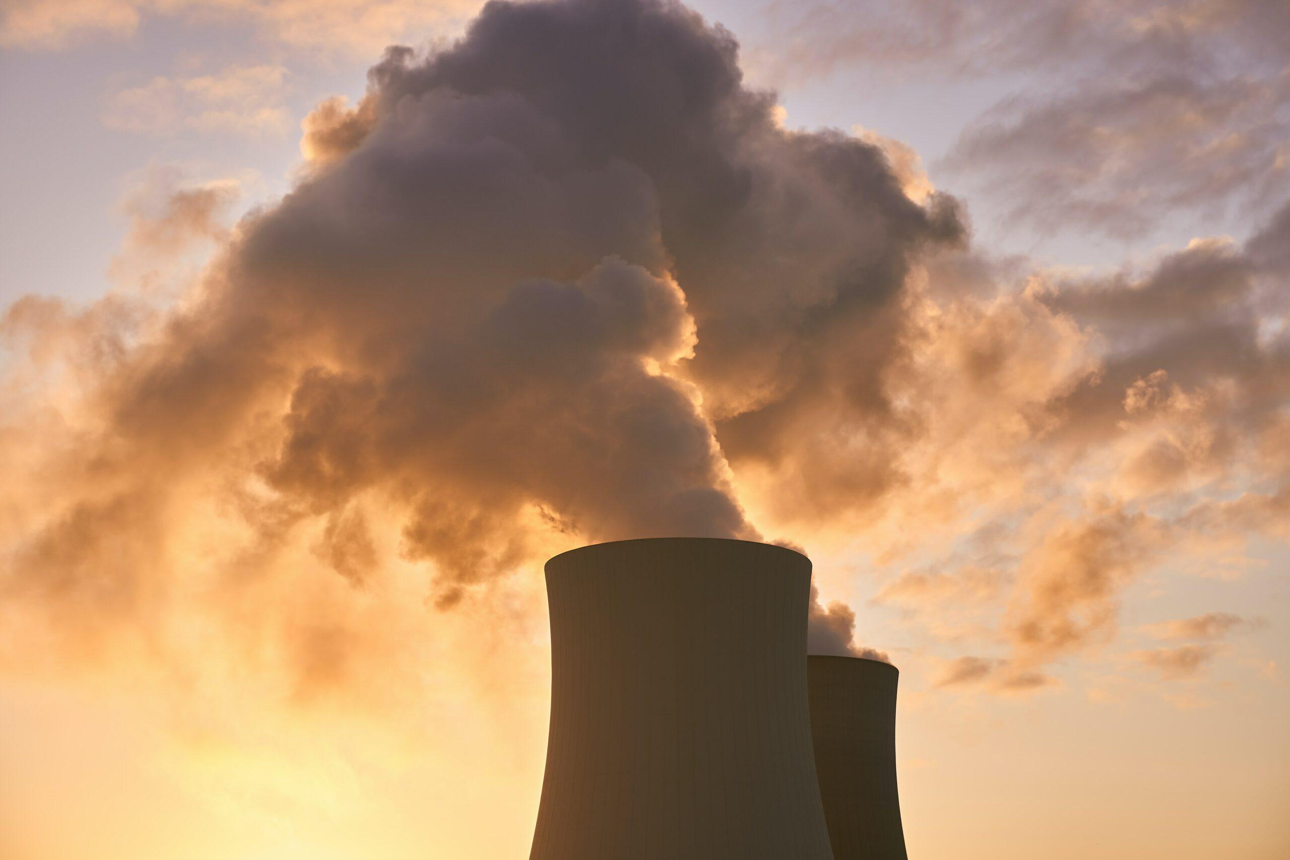 Téměř polovina velkých společností nemá žádné cíle na snižování emisí a ani si je neměří