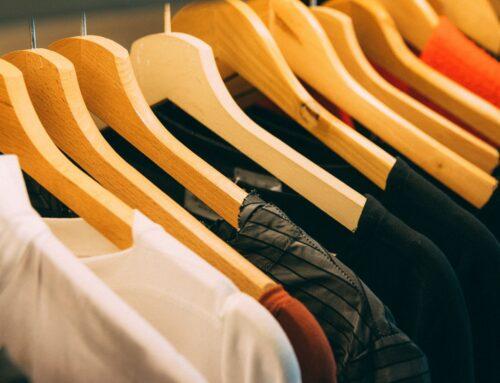 EU omezila používání desítek nebezpečných látek v oblečení